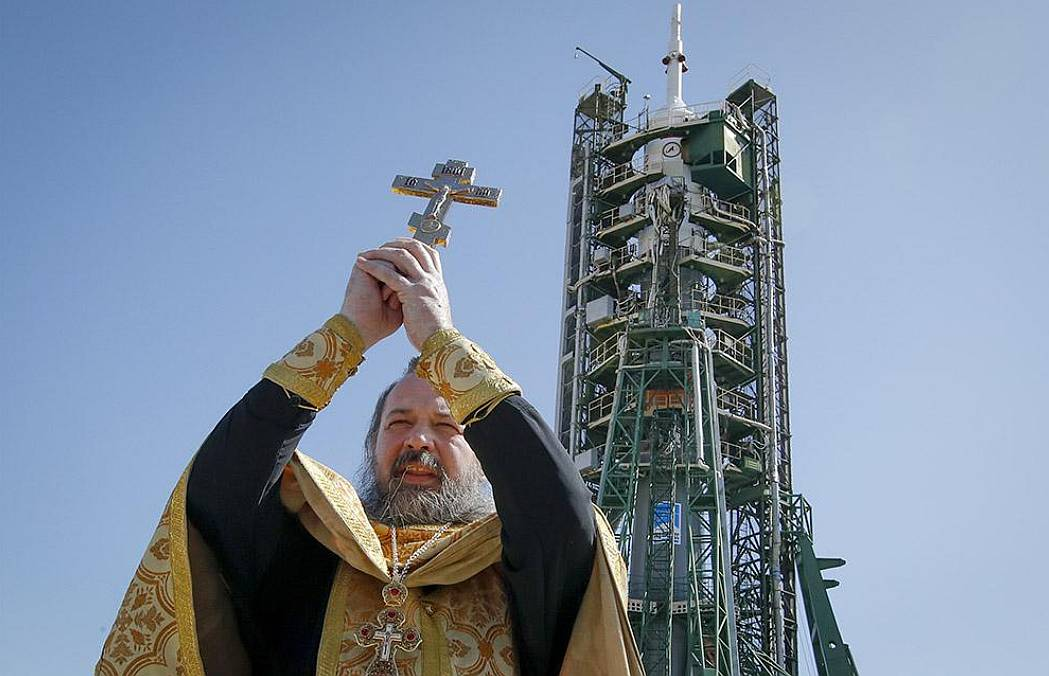 Russian priest blesses satellite that crashes
